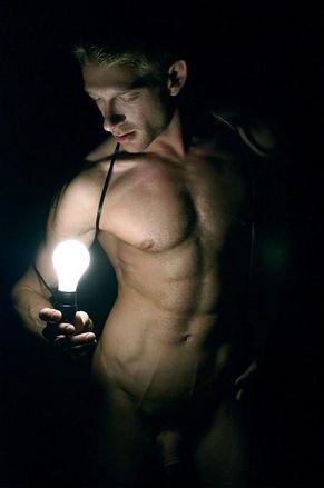 Un homme nu intégral artistique : 21 août 2010