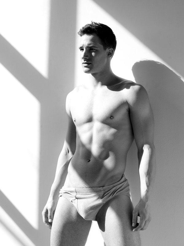 Un très bel homme nu : 9 aout 2010