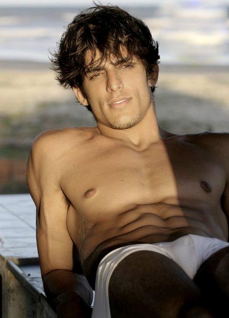 Un très bel homme nu : 10 septembre 2010