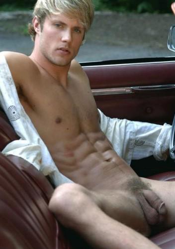 Un homme nu intégral et blond : 5 septembre 2010