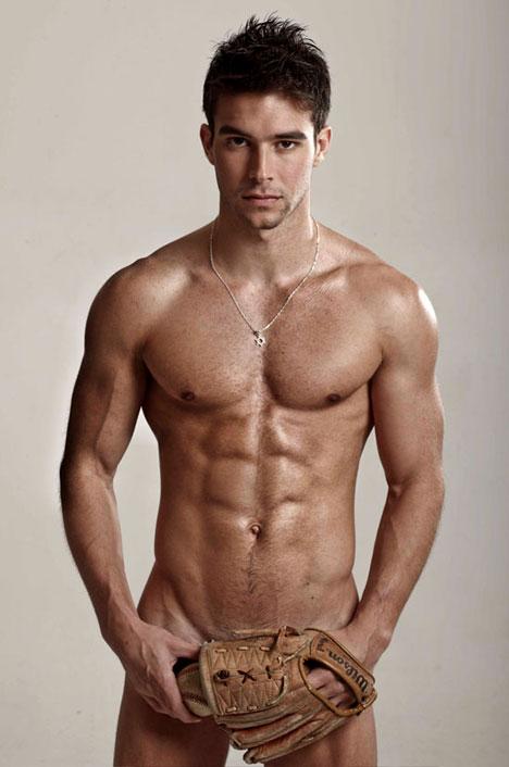 Homme sportif nu : 6 janvier 2011