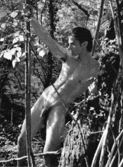 Un homme célèbre nu : Baptiste Giabiconi nu