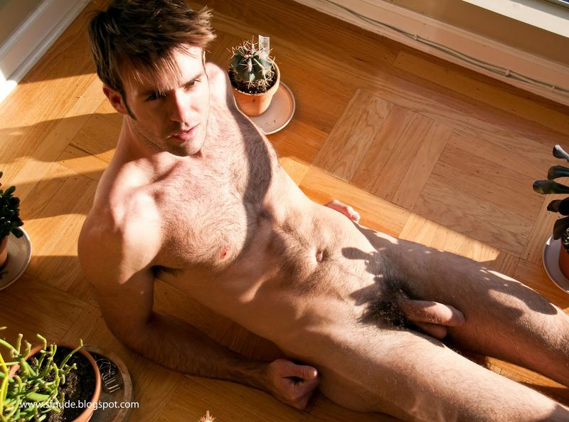 Un homme nu poilu : 21 février 2011