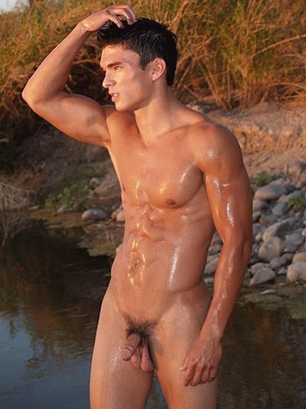 Un homme nu : homme nu intégral et asiatique