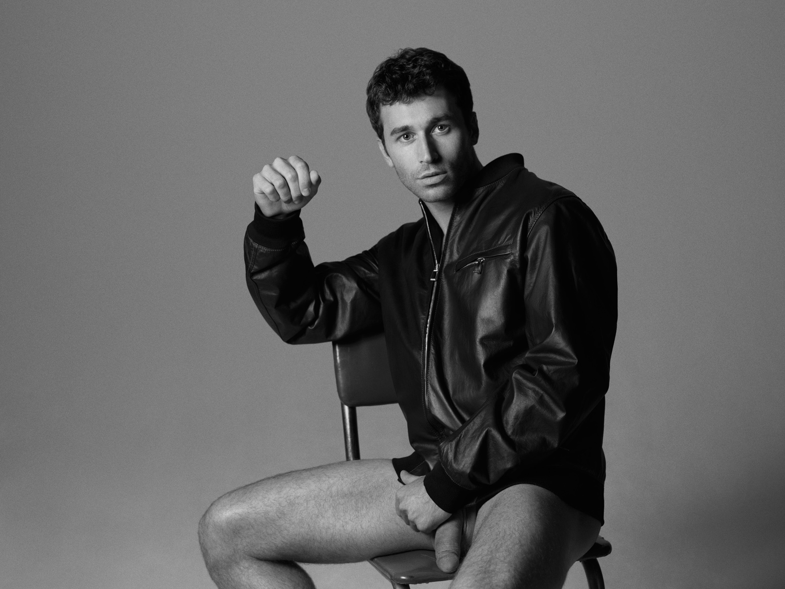 Photo nu de James Deen, acteur X porno hétéro Une photo artistique très réussie.