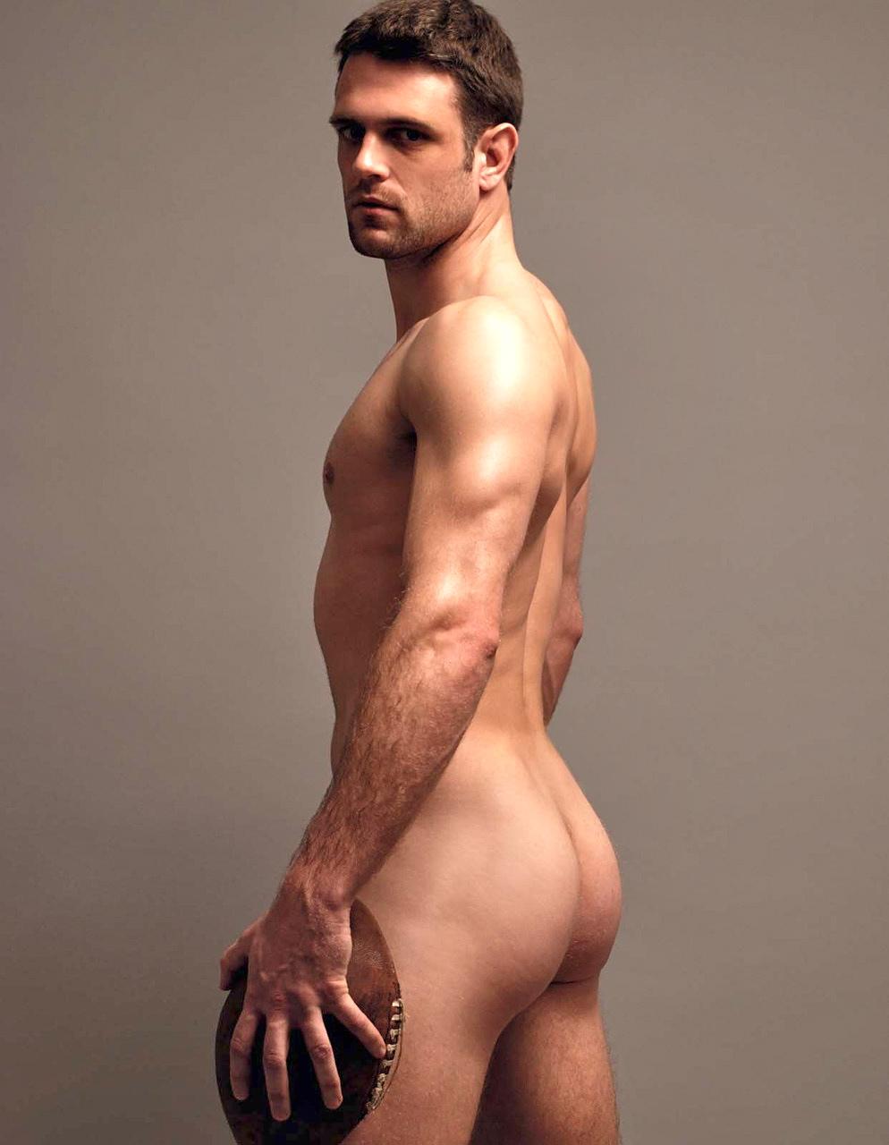 Photo des fesses musclées d'un rugbyman nu et très sexy