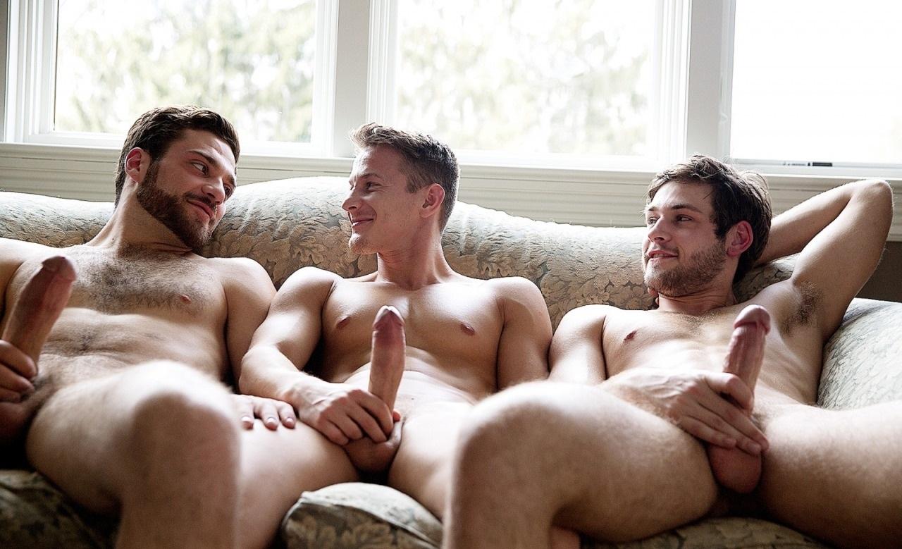hetero en branle mature au sauna
