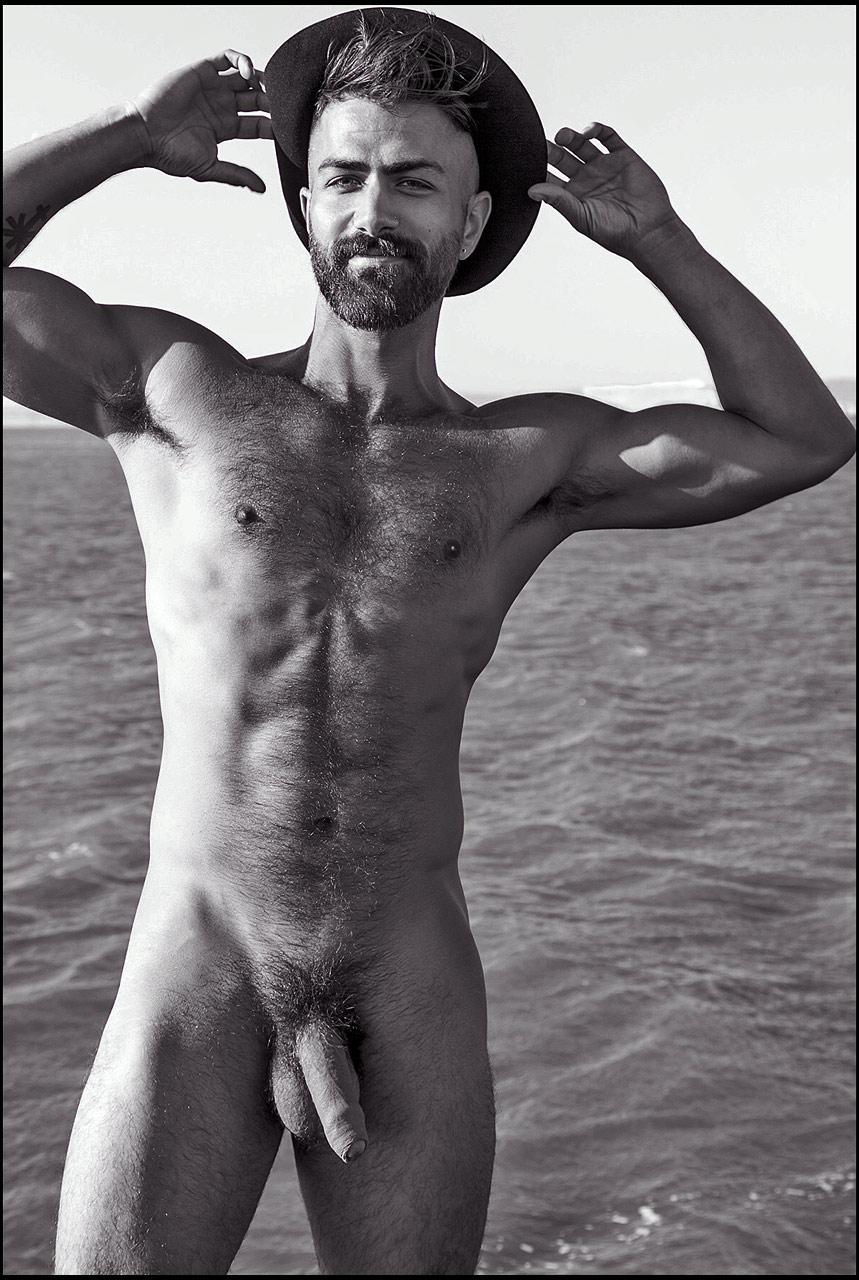minet gay poilu bel homme en erection