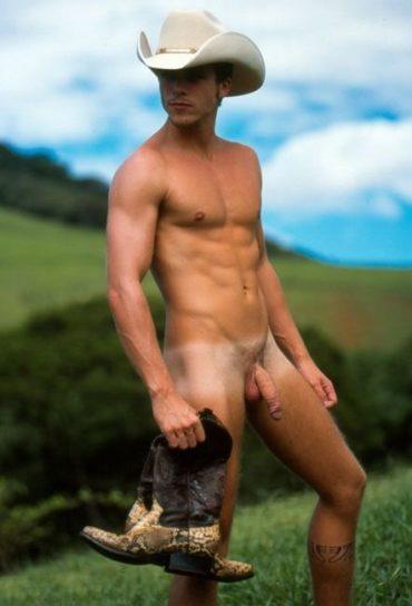 Cowboy nu en extérieur