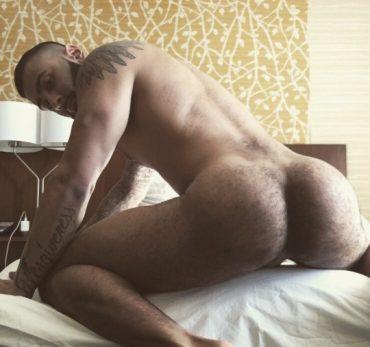 Belles fesses d'homme nu